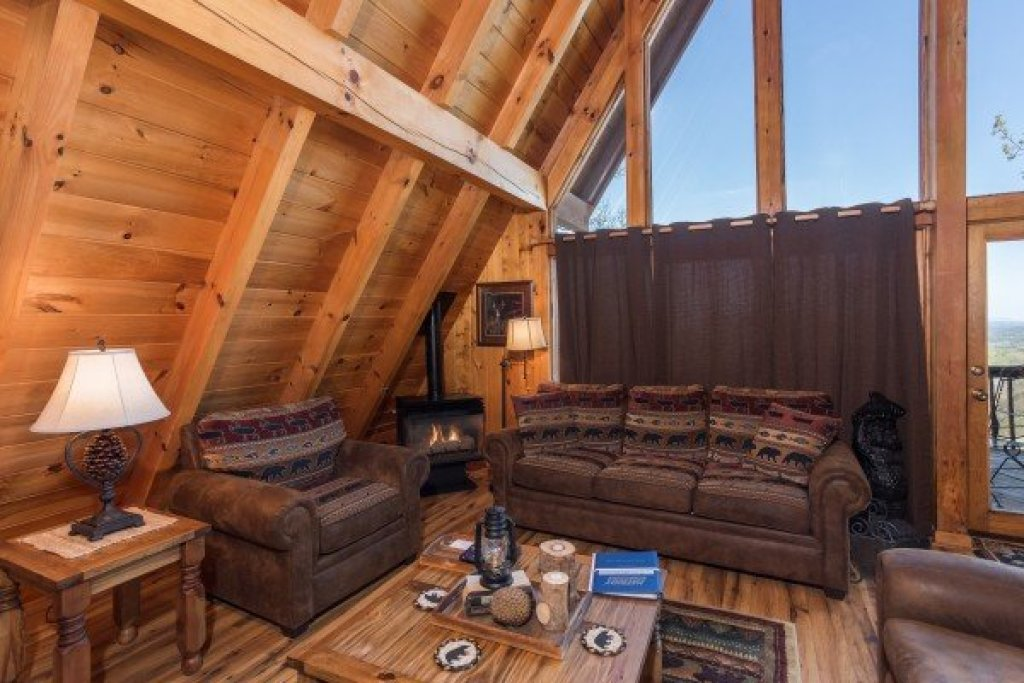 Photo of a Pigeon Forge Cabin named Cozy Mountain View - This is the fifth photo in the set.