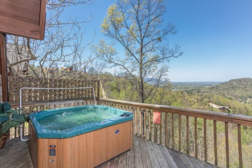 Photo of a Pigeon Forge Cabin named Cozy Mountain View - This is the twelfth photo in the set.