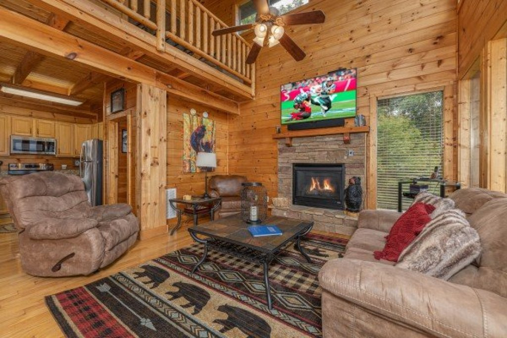 Photo of a Sevierville Cabin named 1 Awesome View - This is the fifth photo in the set.