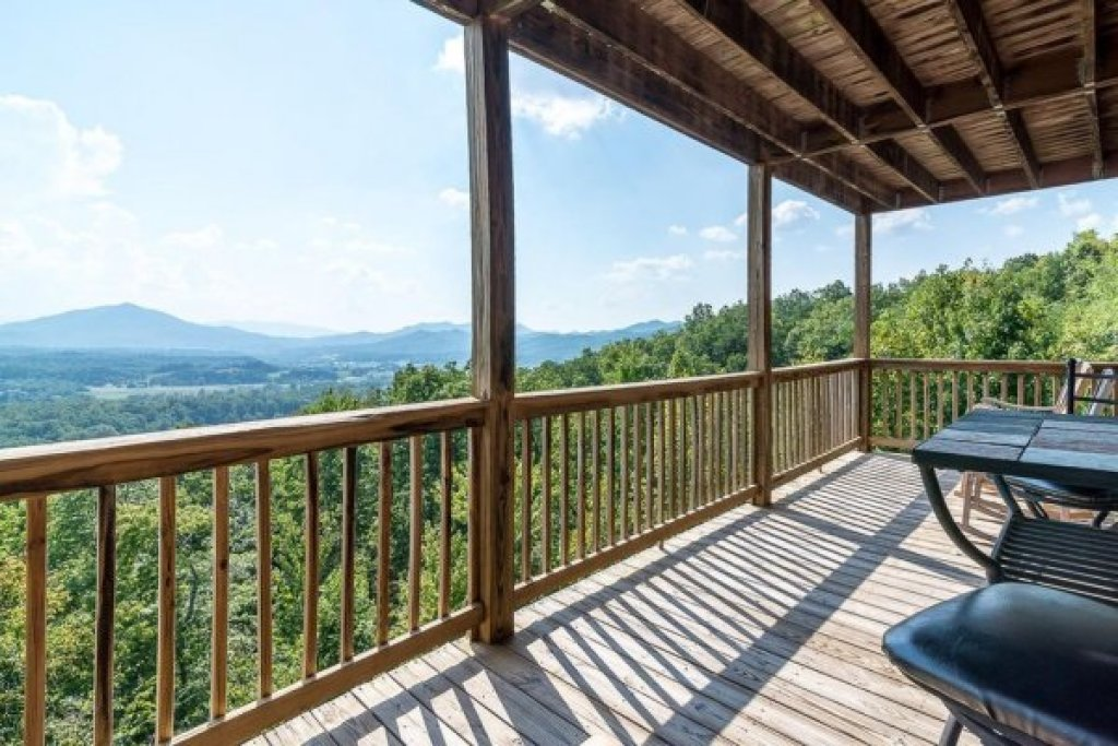 Photo of a Sevierville Cabin named 1 Awesome View - This is the eleventh photo in the set.