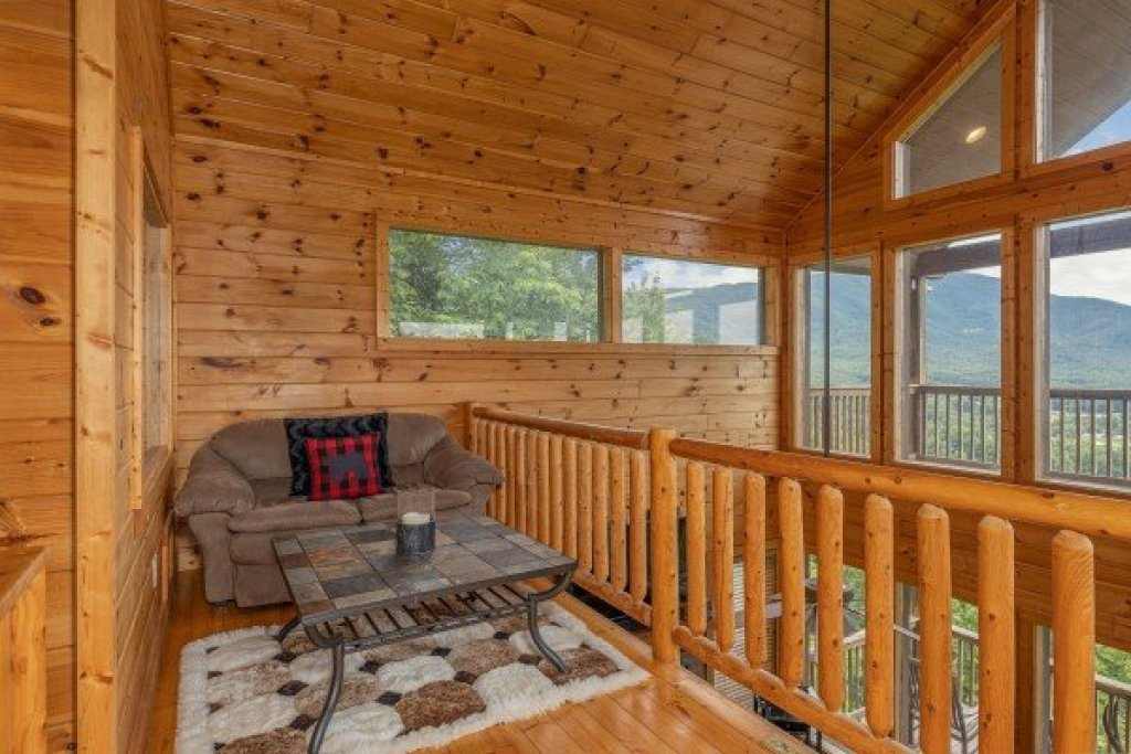 Photo of a Sevierville Cabin named 1 Awesome View - This is the eighteenth photo in the set.