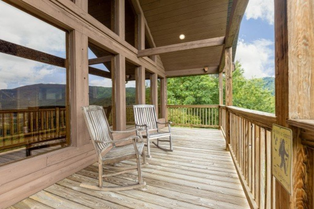 Photo of a Sevierville Cabin named 1 Awesome View - This is the twenty-fourth photo in the set.