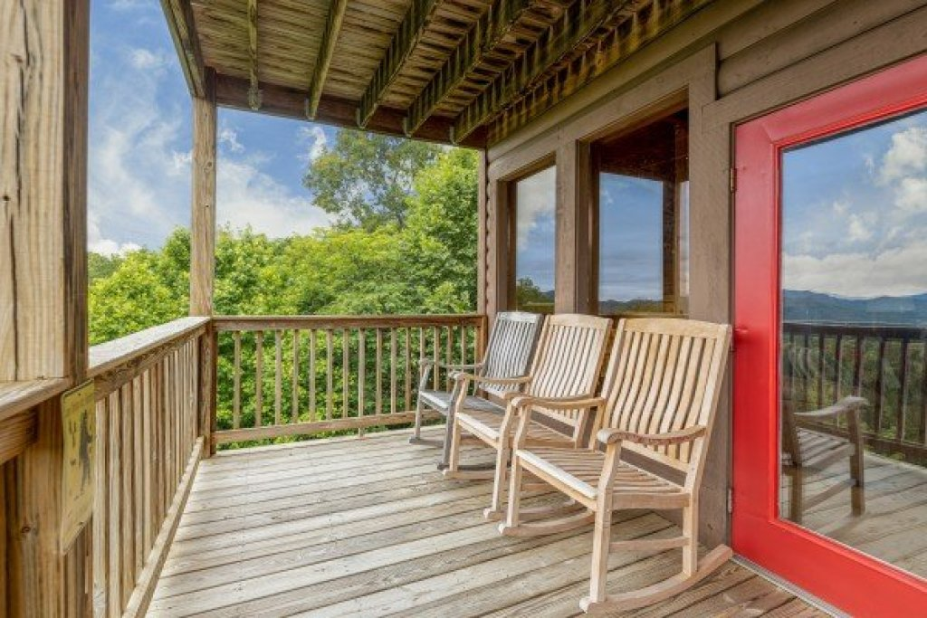 Photo of a Sevierville Cabin named 1 Awesome View - This is the fourteenth photo in the set.