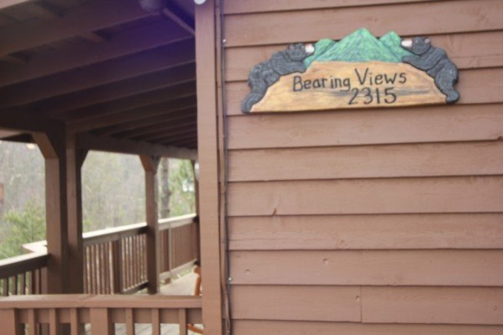 Photo of a Pigeon Forge Cabin named Bearing Views - This is the fifth photo in the set.