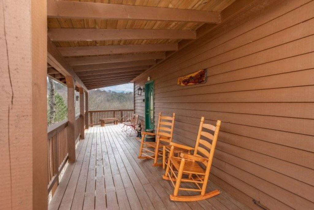 Photo of a Pigeon Forge Cabin named Bearing Views - This is the seventh photo in the set.