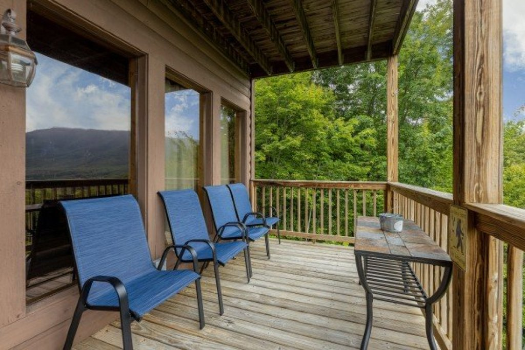 Photo of a Sevierville Cabin named 1 Awesome View - This is the thirty-fifth photo in the set.