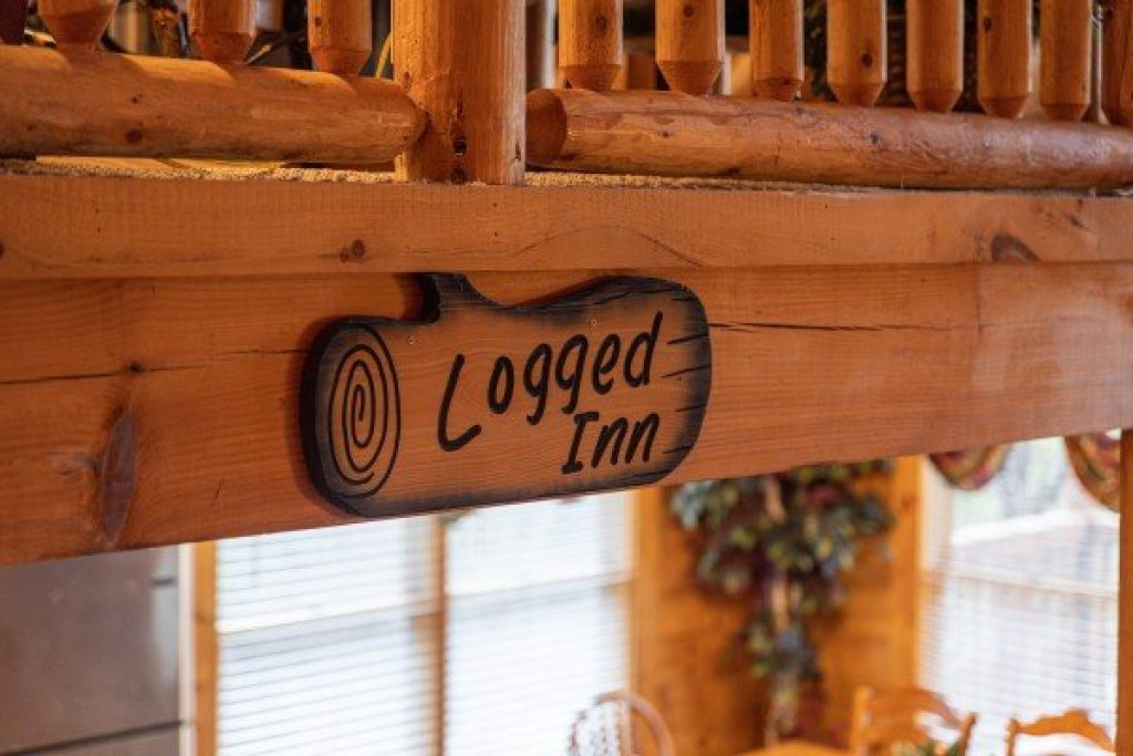 Photo of a Pigeon Forge Cabin named Logged Inn - This is the thirty-sixth photo in the set.