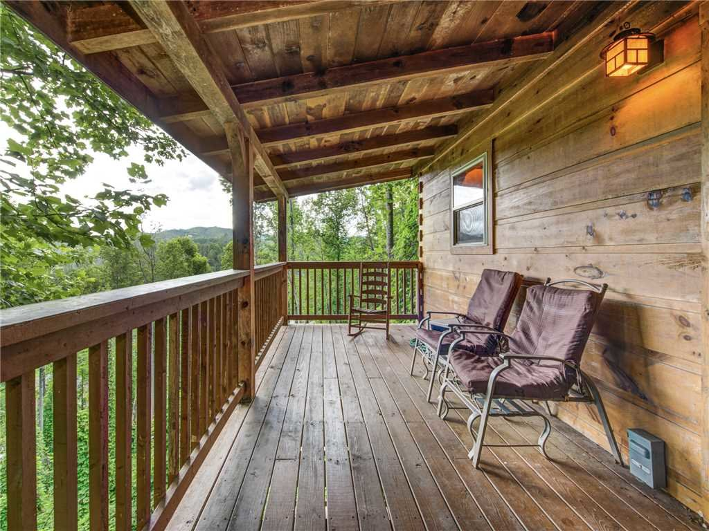 Photo of a Gatlinburg Cabin named The Vinson - This is the twenty-first photo in the set.