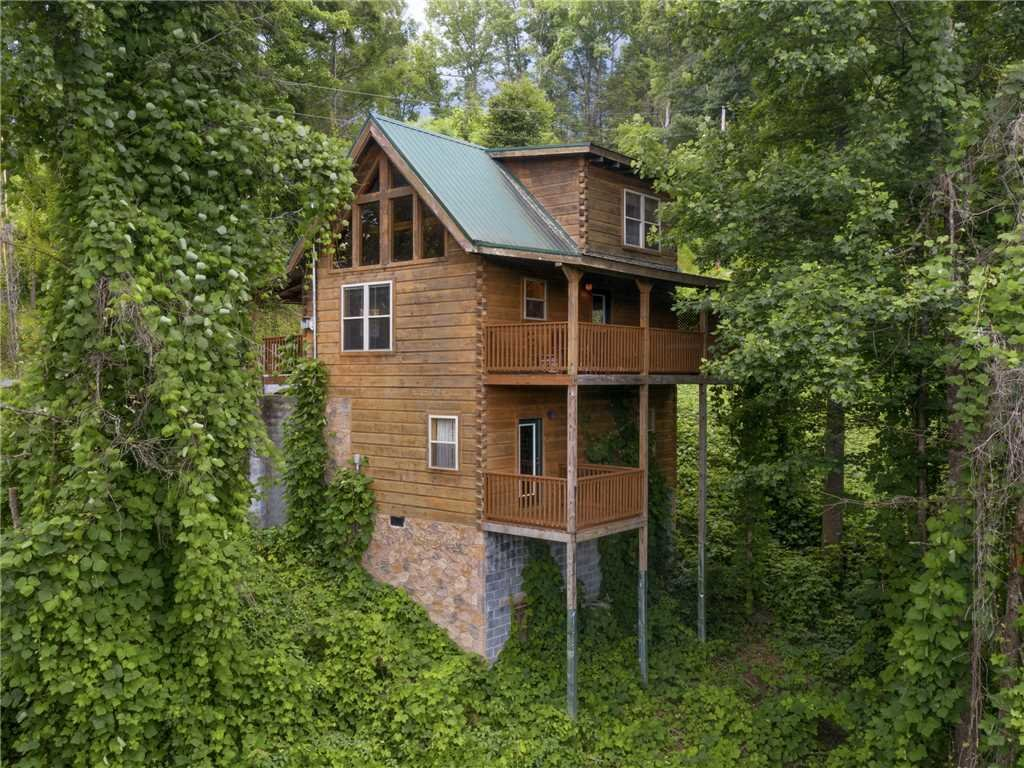 Photo of a Gatlinburg Cabin named The Vinson - This is the twenty-fourth photo in the set.
