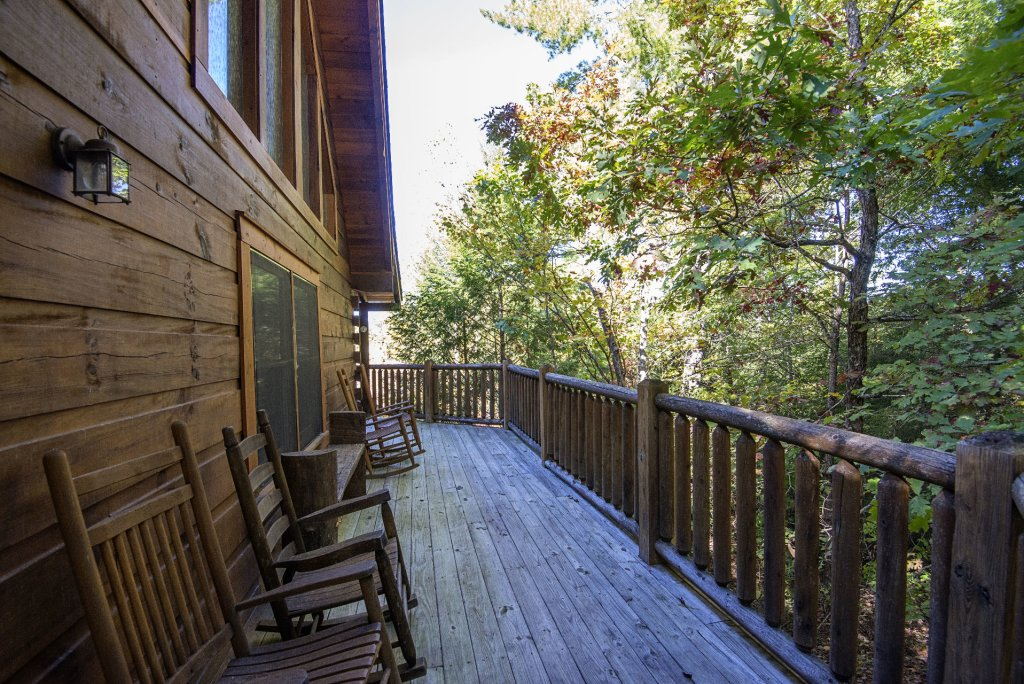 Photo of a Pigeon Forge Cabin named  Black Hawk Hideaway - This is the sixty-second photo in the set.