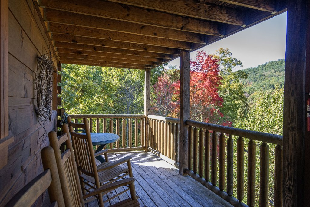 Photo of a Pigeon Forge Cabin named  Black Hawk Hideaway - This is the seventy-second photo in the set.