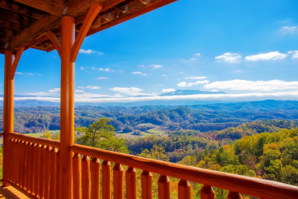 Photo of a Pigeon Forge Cabin named Heavenly High - This is the eighteenth photo in the set.