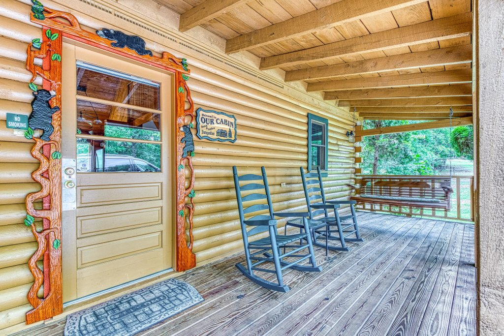 Photo of a Sevierville Cabin named Black Bear Bungalow - This is the second photo in the set.