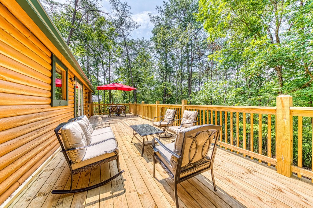 Photo of a Sevierville Cabin named Black Bear Bungalow - This is the fourth photo in the set.