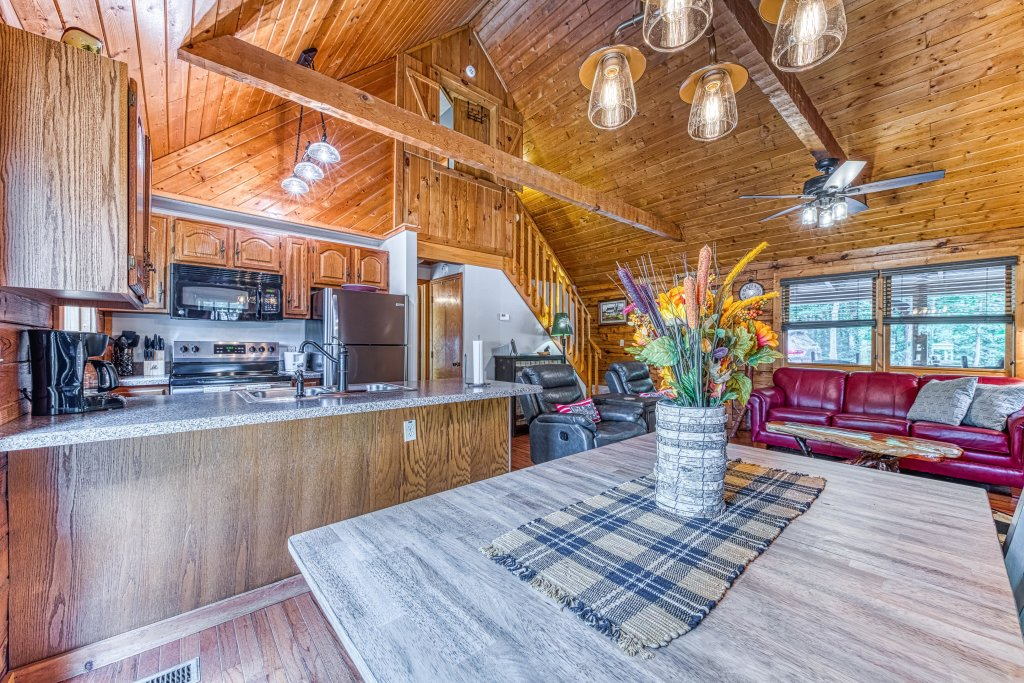 Photo of a Sevierville Cabin named Black Bear Bungalow - This is the tenth photo in the set.