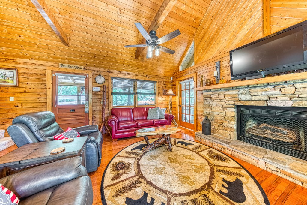 Photo of a Sevierville Cabin named Black Bear Bungalow - This is the twenty-fourth photo in the set.