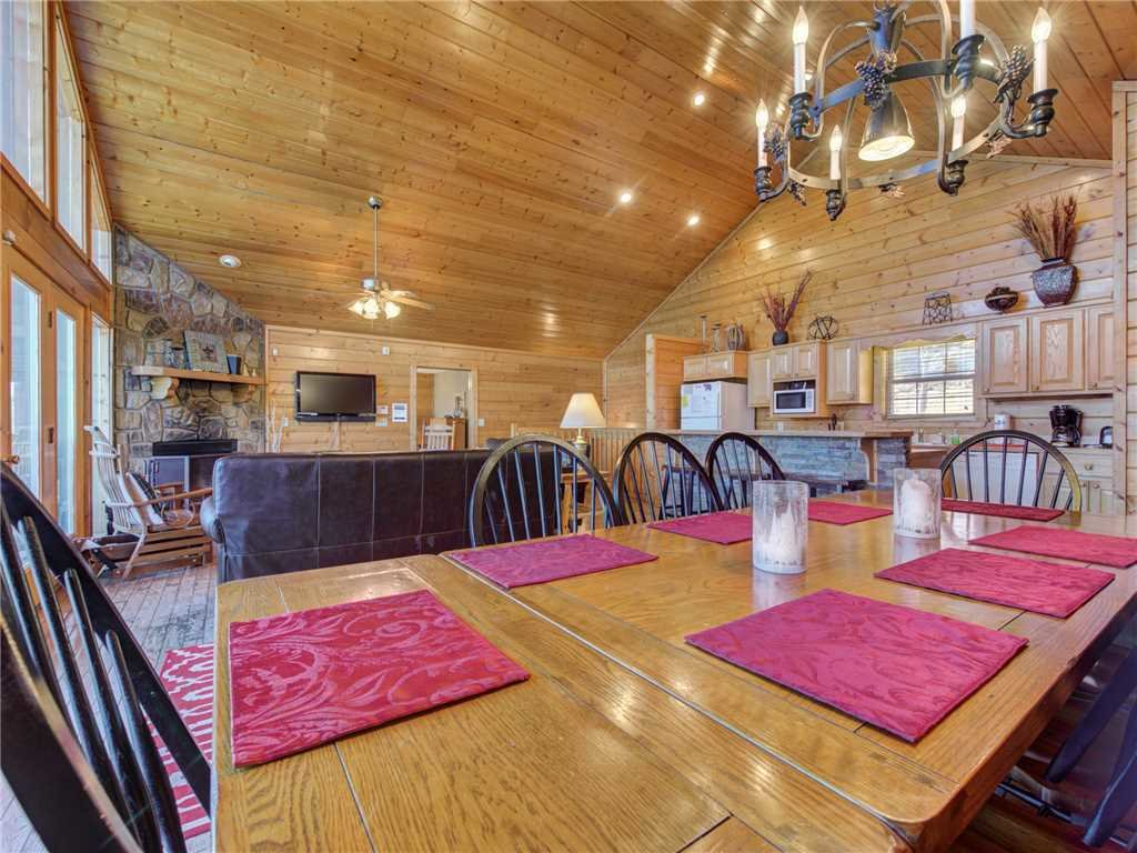 Photo of a Sevierville Cabin named Majestic Views - This is the eighth photo in the set.