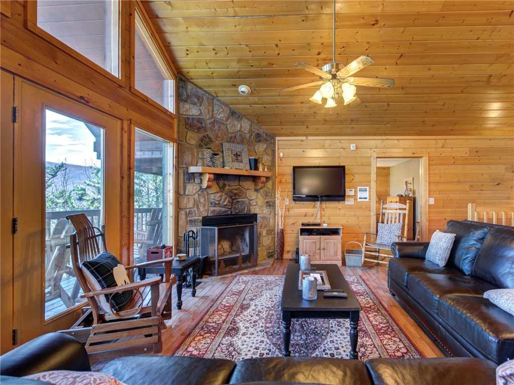 Photo of a Sevierville Cabin named Majestic Views - This is the fourth photo in the set.