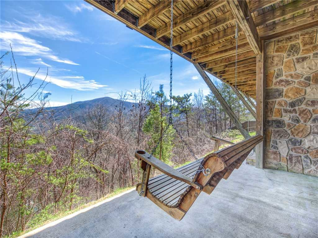 Photo of a Sevierville Cabin named Majestic Views - This is the twenty-ninth photo in the set.