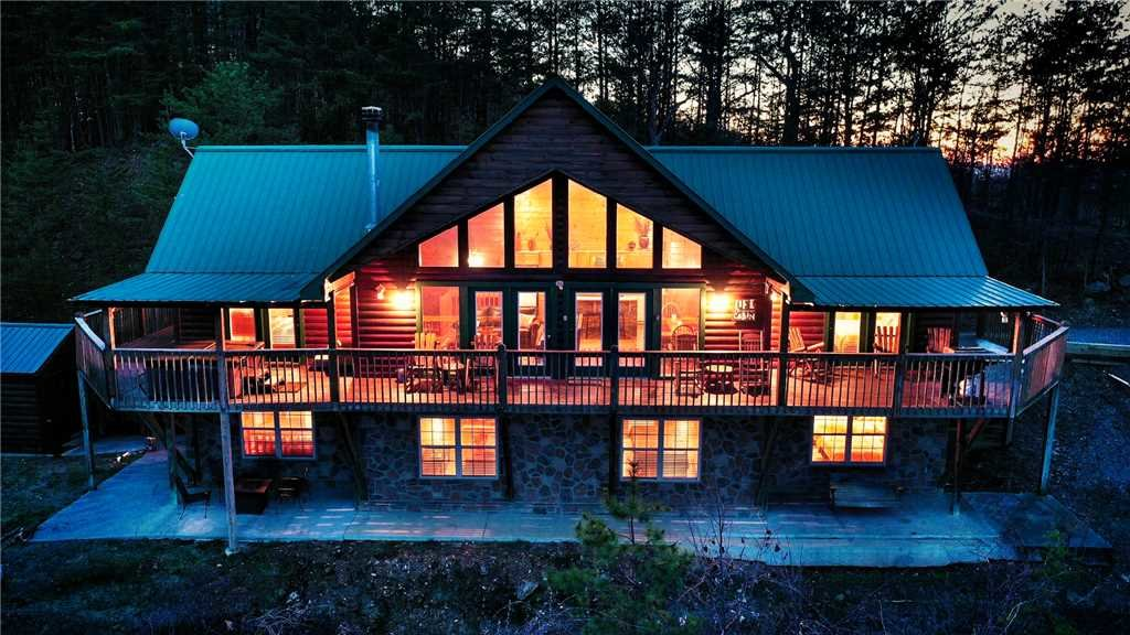 Photo of a Sevierville Cabin named Majestic Views - This is the thirty-second photo in the set.