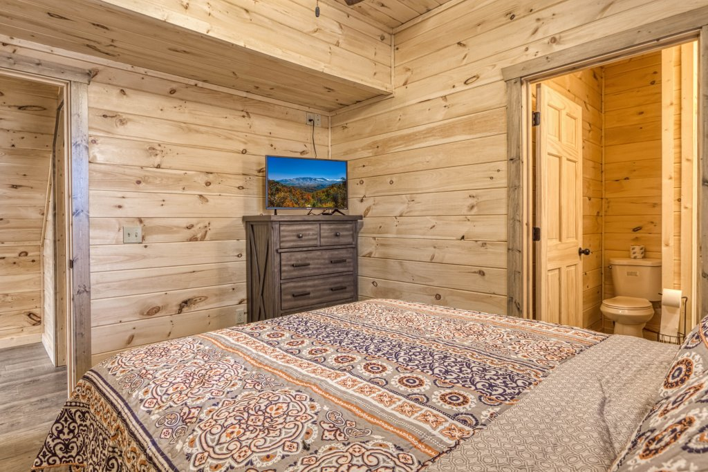 Photo of a Gatlinburg Cabin named Mountain Life - 496 - This is the thirtieth photo in the set.