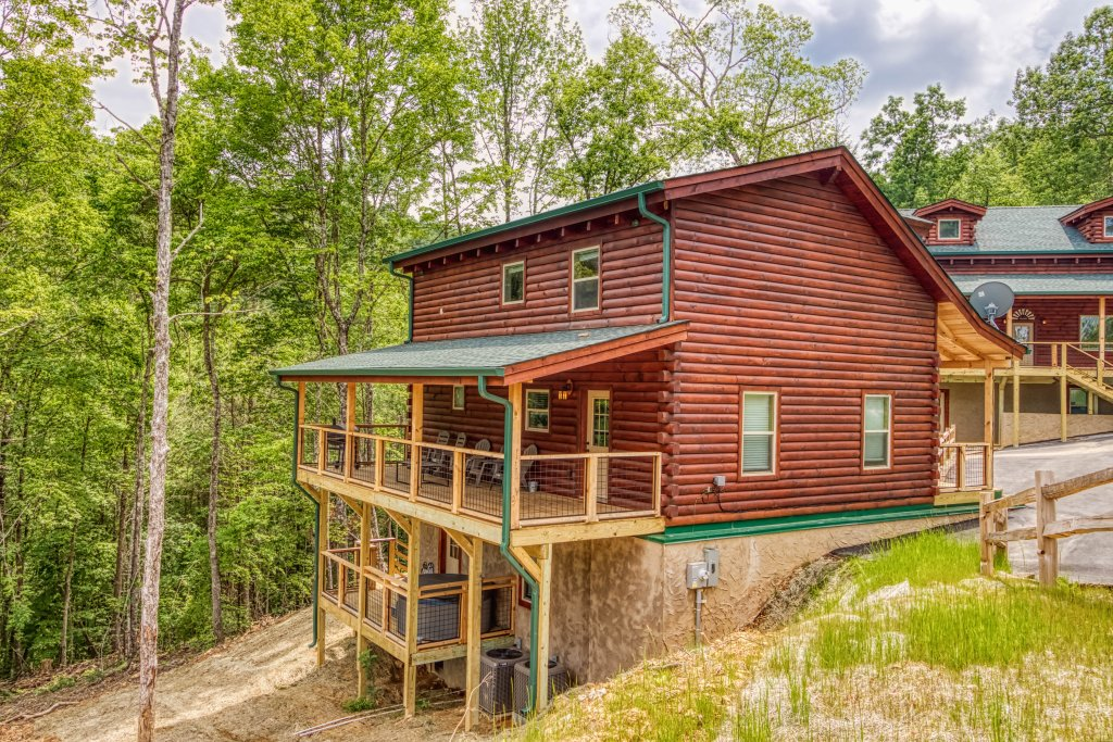 Photo of a Gatlinburg Cabin named Mountain Life - 496 - This is the twenty-fifth photo in the set.
