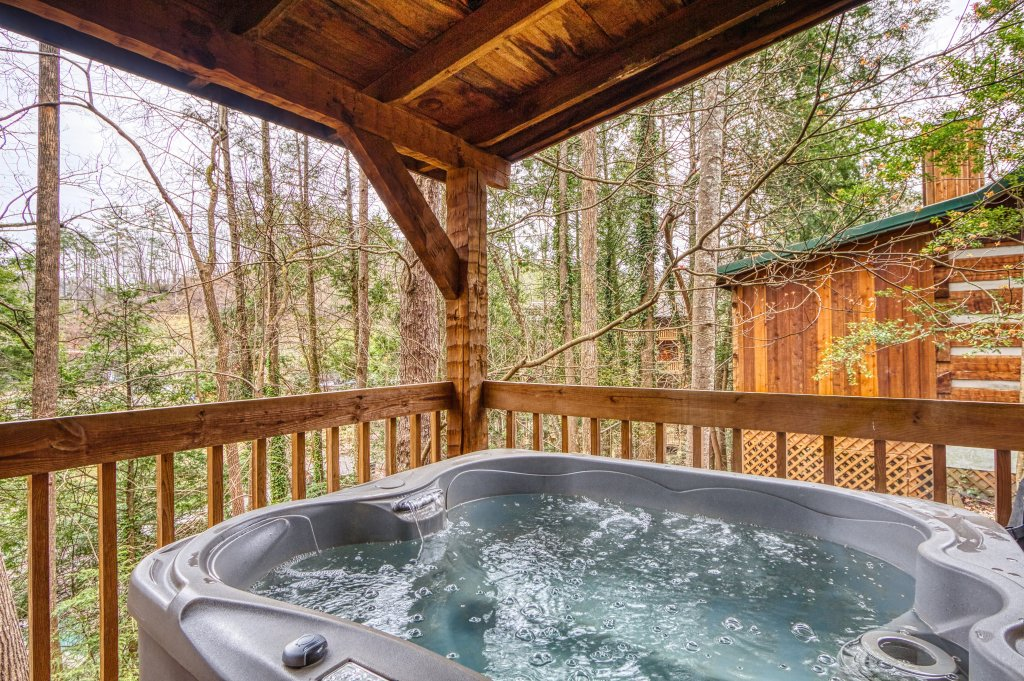 Photo of a Gatlinburg Cabin named Puppy Love #1619 - This is the twenty-seventh photo in the set.