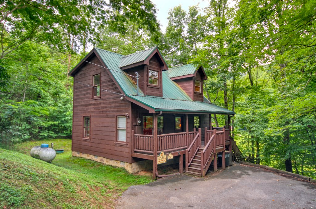Photo of a Gatlinburg Cabin named Lover's Lake #105 - This is the first photo in the set.