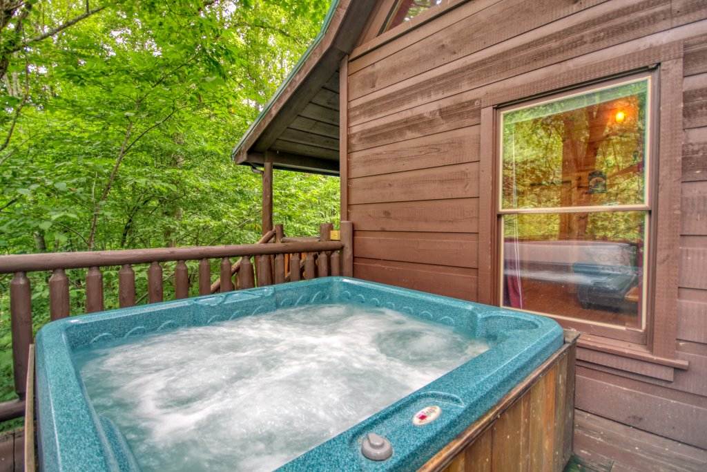 Photo of a Gatlinburg Cabin named Lover's Lake #105 - This is the twenty-first photo in the set.