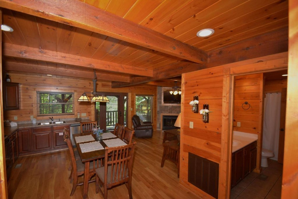 Photo of a Gatlinburg Cabin named Evening Star - This is the ninth photo in the set.