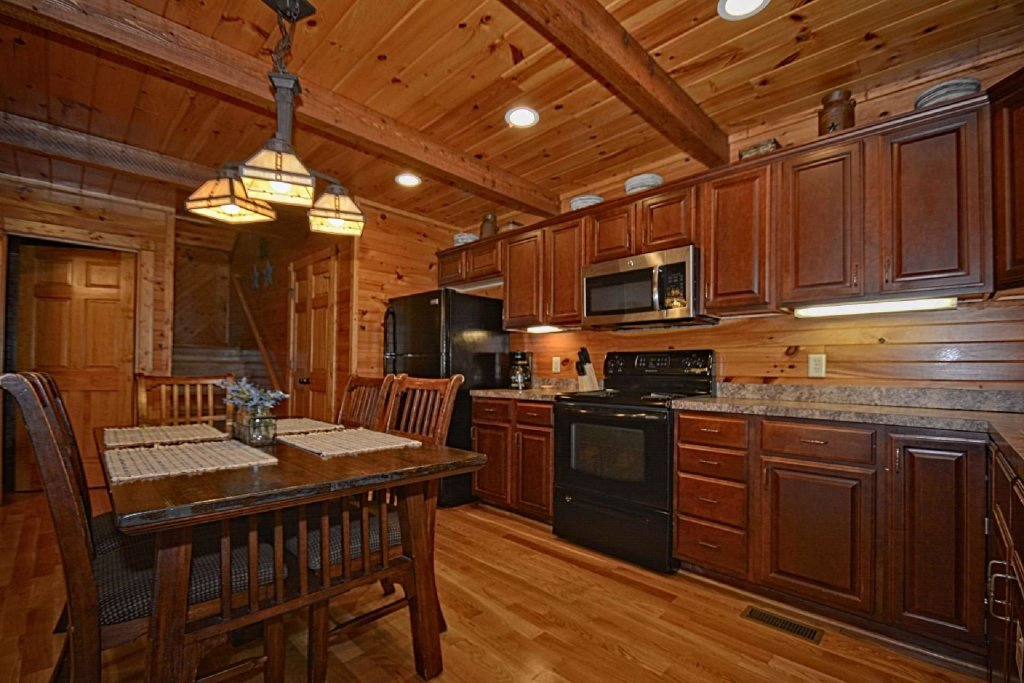 Photo of a Gatlinburg Cabin named Evening Star - This is the twenty-second photo in the set.