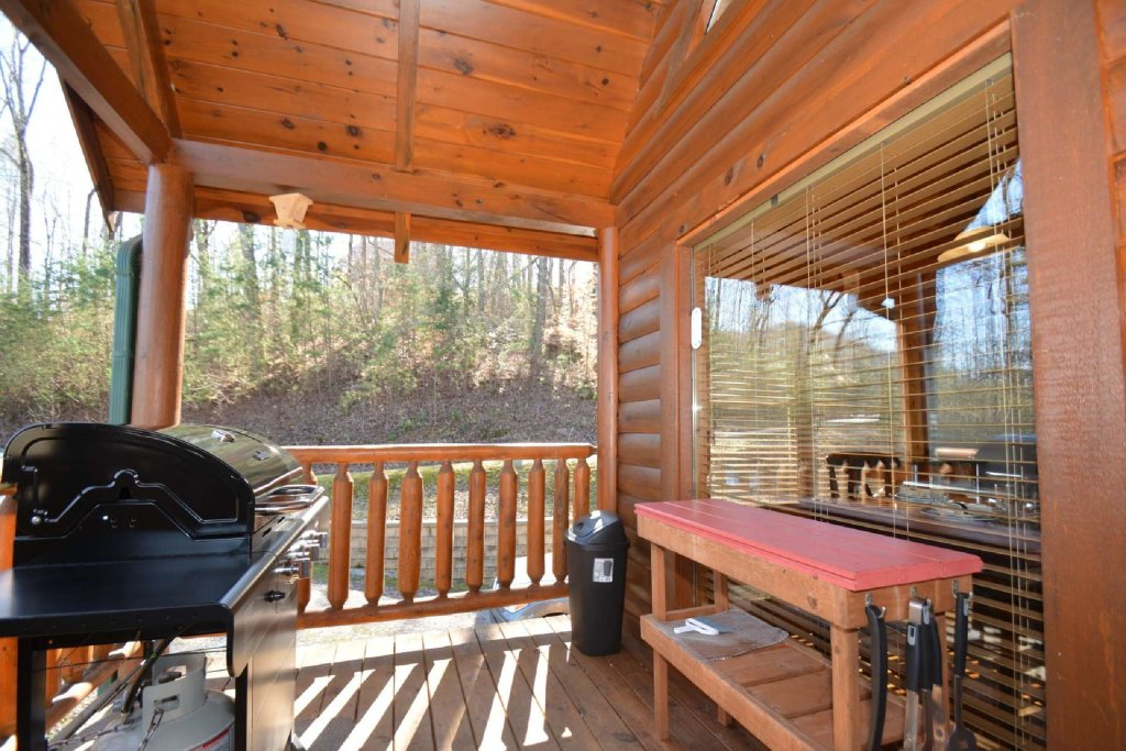 Photo of a Sevierville Cabin named Hidden Haven - This is the twenty-third photo in the set.