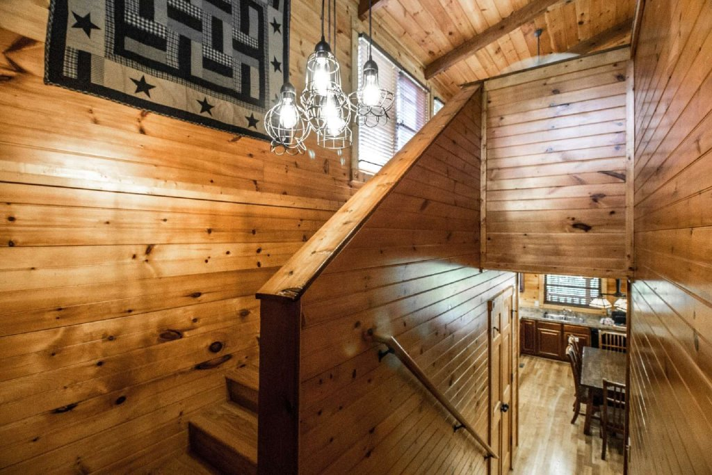 Photo of a Gatlinburg Cabin named Evening Star - This is the eighteenth photo in the set.