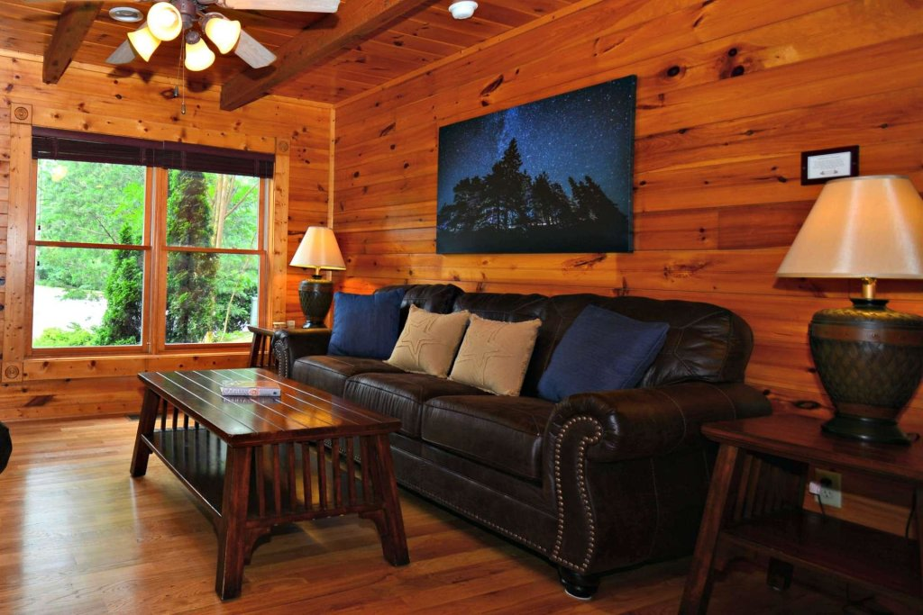 Photo of a Gatlinburg Cabin named Evening Star - This is the twenty-third photo in the set.