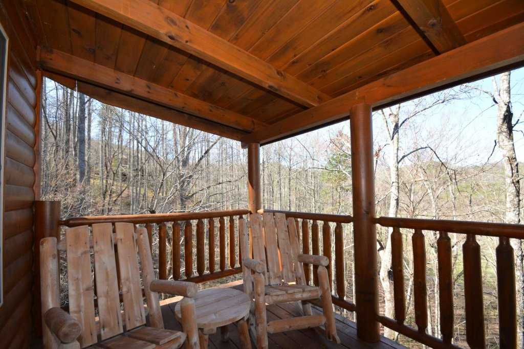 Photo of a Sevierville Cabin named Hidden Haven - This is the twenty-seventh photo in the set.