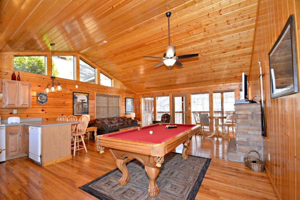 Photo of a Pigeon Forge Cabin named Moonlight Magic - This is the eighth photo in the set.