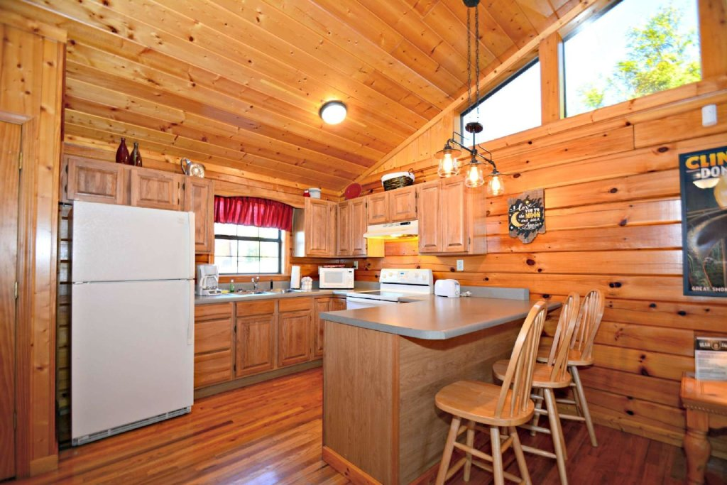 Photo of a Pigeon Forge Cabin named Moonlight Magic - This is the sixth photo in the set.