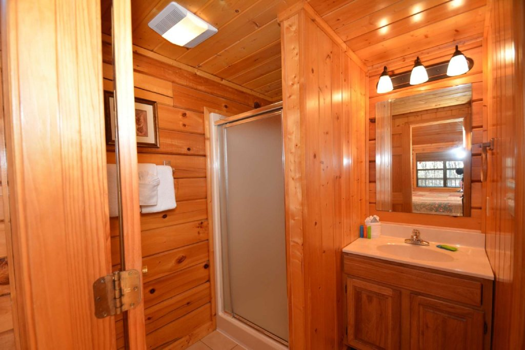 Photo of a Pigeon Forge Cabin named Moonlight Magic - This is the fourteenth photo in the set.
