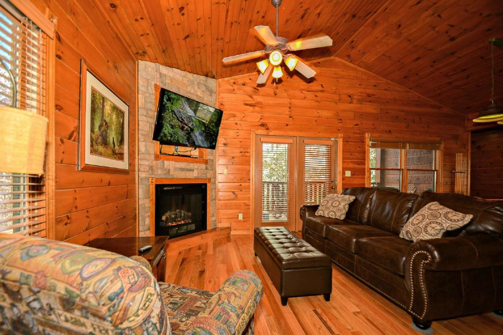 Photo of a Gatlinburg Cabin named Happily Ever After - This is the fourth photo in the set.