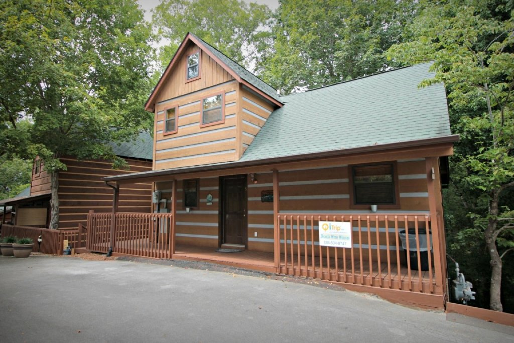 Photo of a Pigeon Forge Cabin named Dances With Wolves - This is the fifth photo in the set.