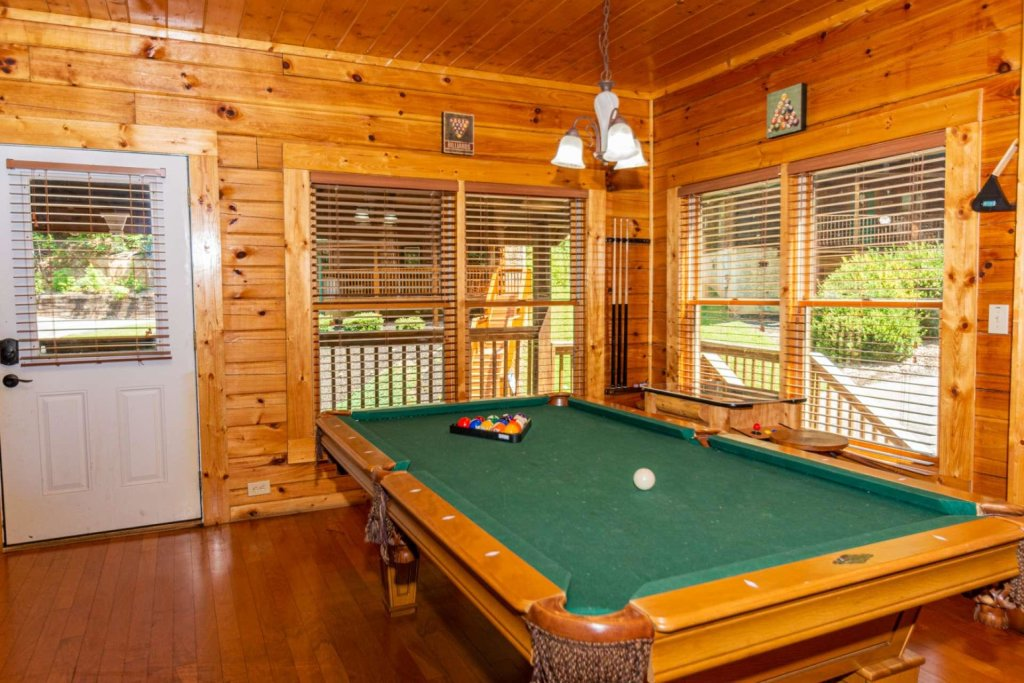 Photo of a Pigeon Forge Cabin named Absolute Dream - This is the sixth photo in the set.