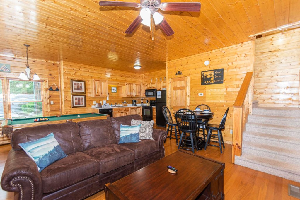 Photo of a Pigeon Forge Cabin named Absolute Dream - This is the twelfth photo in the set.