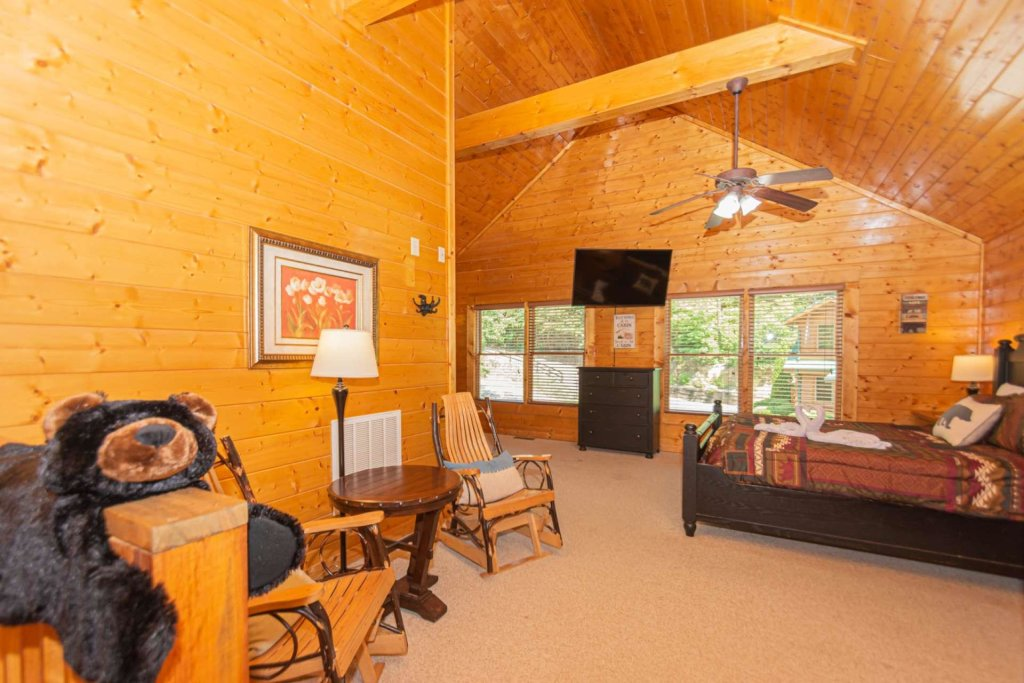 Photo of a Pigeon Forge Cabin named Absolute Dream - This is the sixteenth photo in the set.