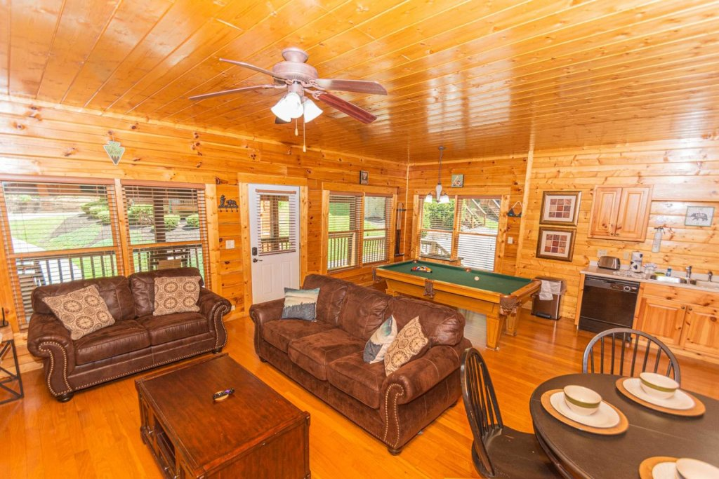 Photo of a Pigeon Forge Cabin named Absolute Dream - This is the seventh photo in the set.