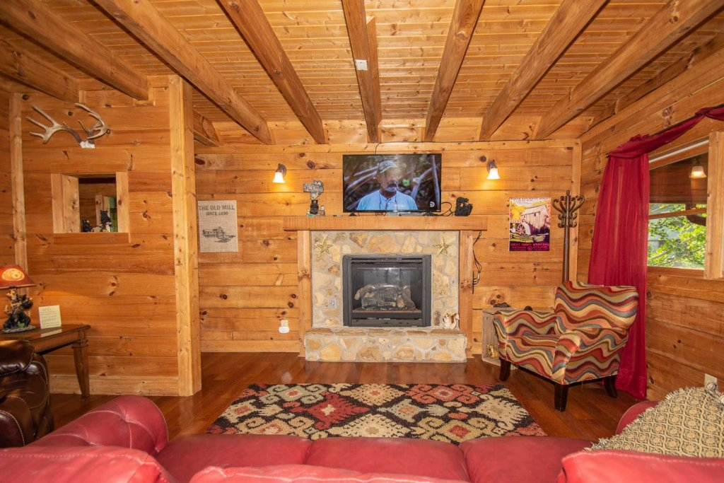 Photo of a Pigeon Forge Cabin named Streamside Getaway - This is the tenth photo in the set.