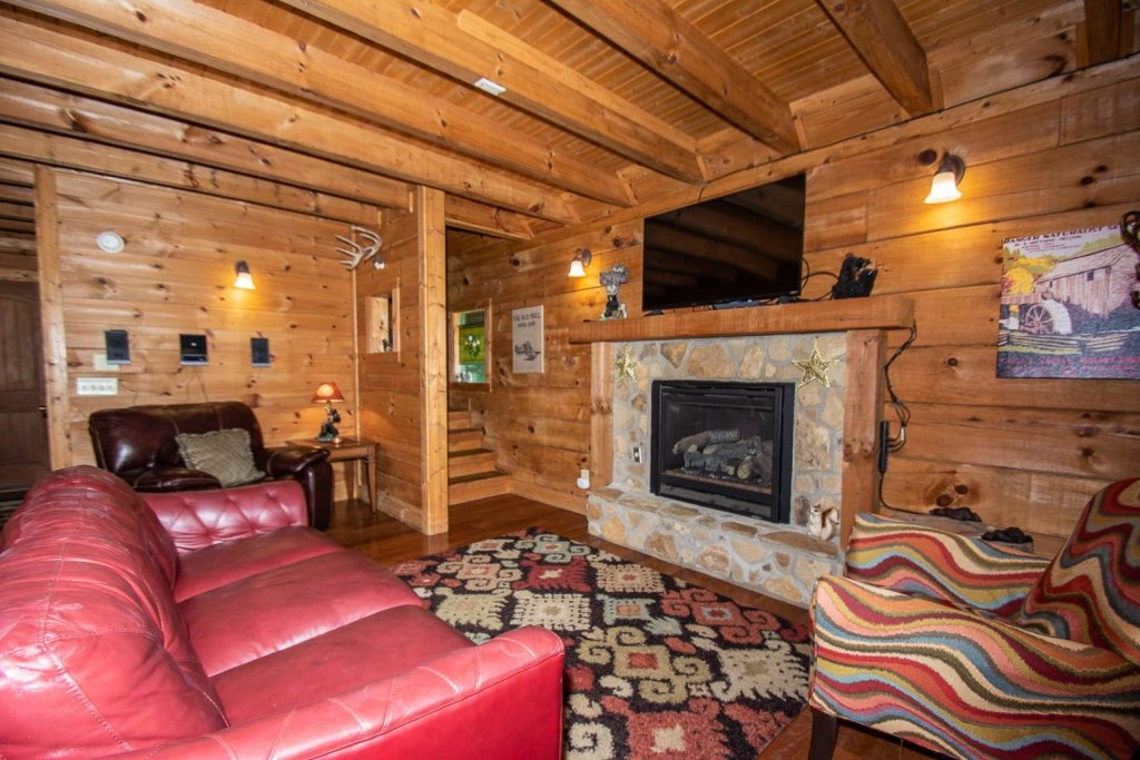 Photo of a Pigeon Forge Cabin named Streamside Getaway - This is the sixth photo in the set.