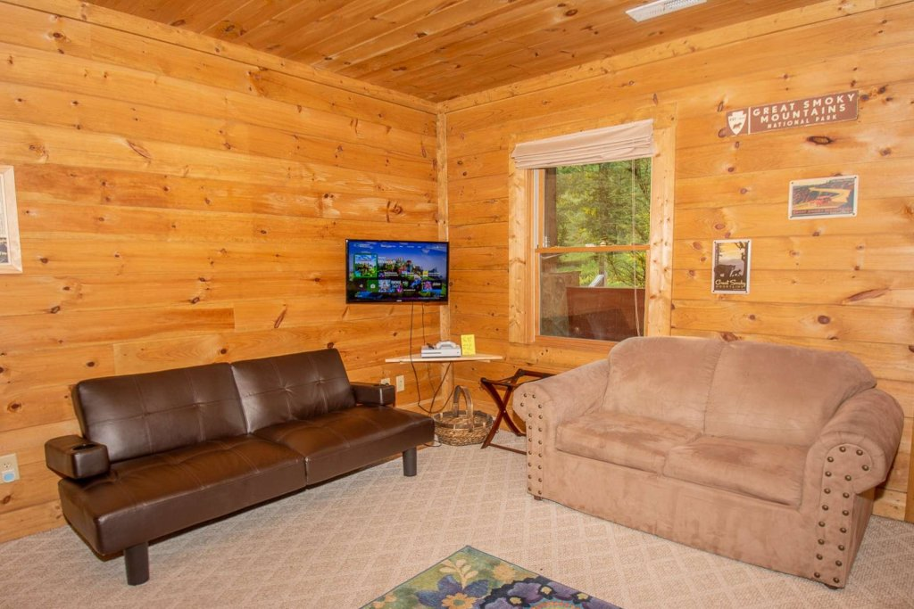 Photo of a Pigeon Forge Cabin named Streamside Getaway - This is the nineteenth photo in the set.