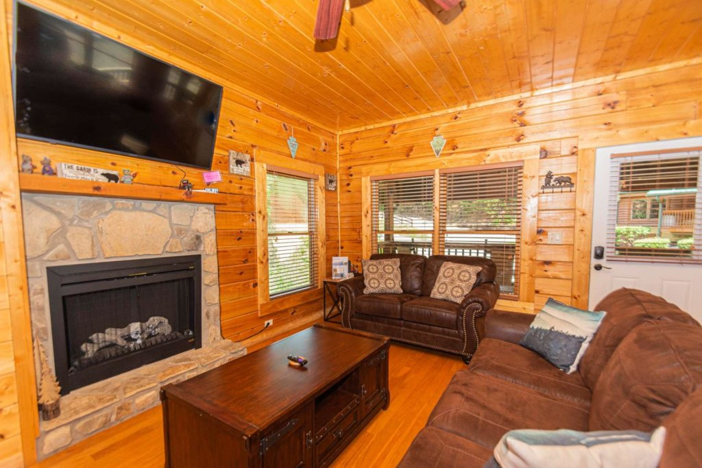 Photo of a Pigeon Forge Cabin named Absolute Dream - This is the nineteenth photo in the set.