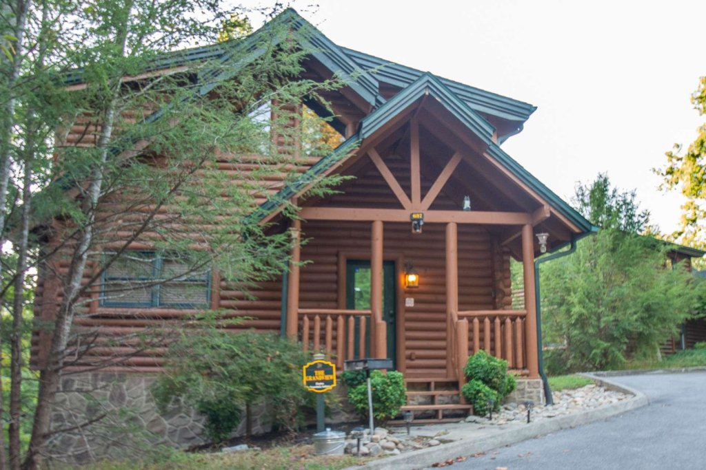 Photo of a Gatlinburg Cabin named The Grandview - This is the twenty-seventh photo in the set.