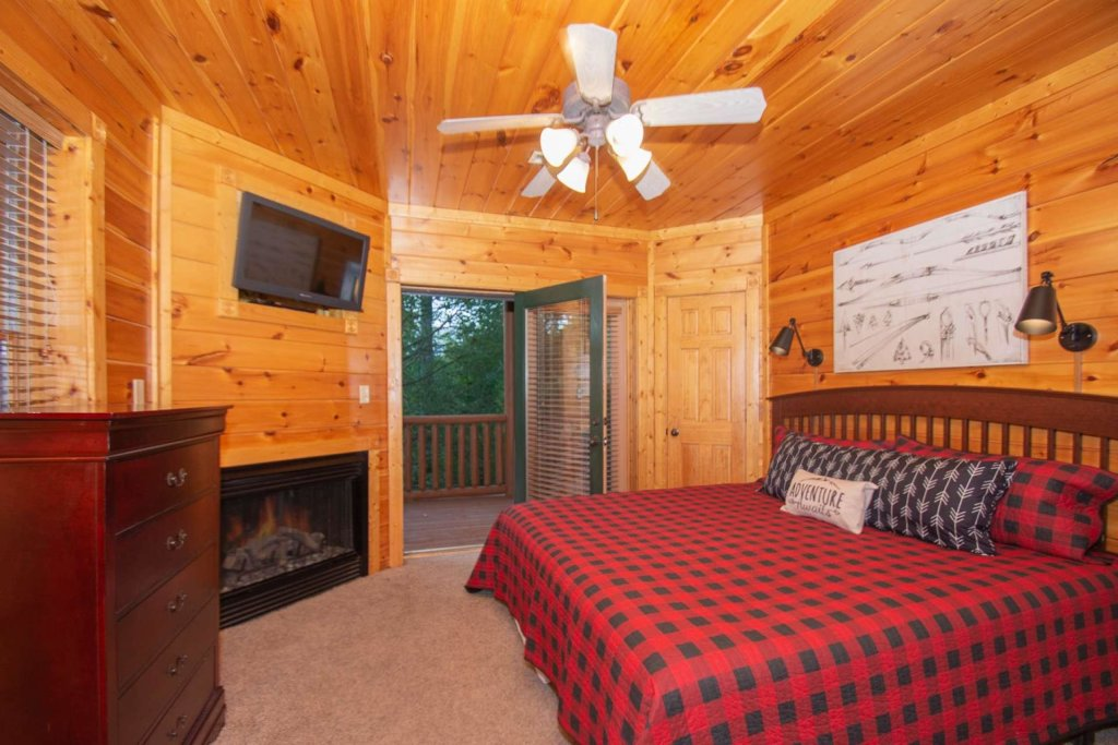 Photo of a Gatlinburg Cabin named The Grandview - This is the seventeenth photo in the set.